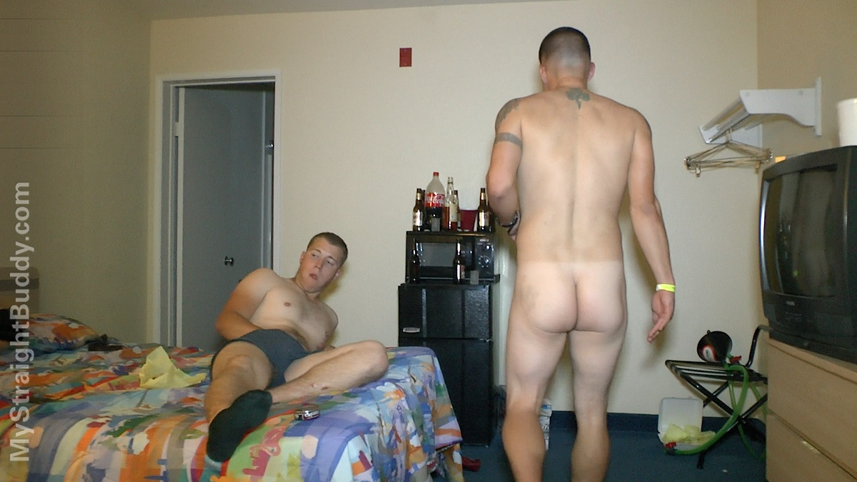 My-Straight-Buddy-Naked-Marines-At-Hotel-Party-Amateur-Gay-Porn-13 REAL Straight Naked Drunk Marines Streaking At A Motel Room Party