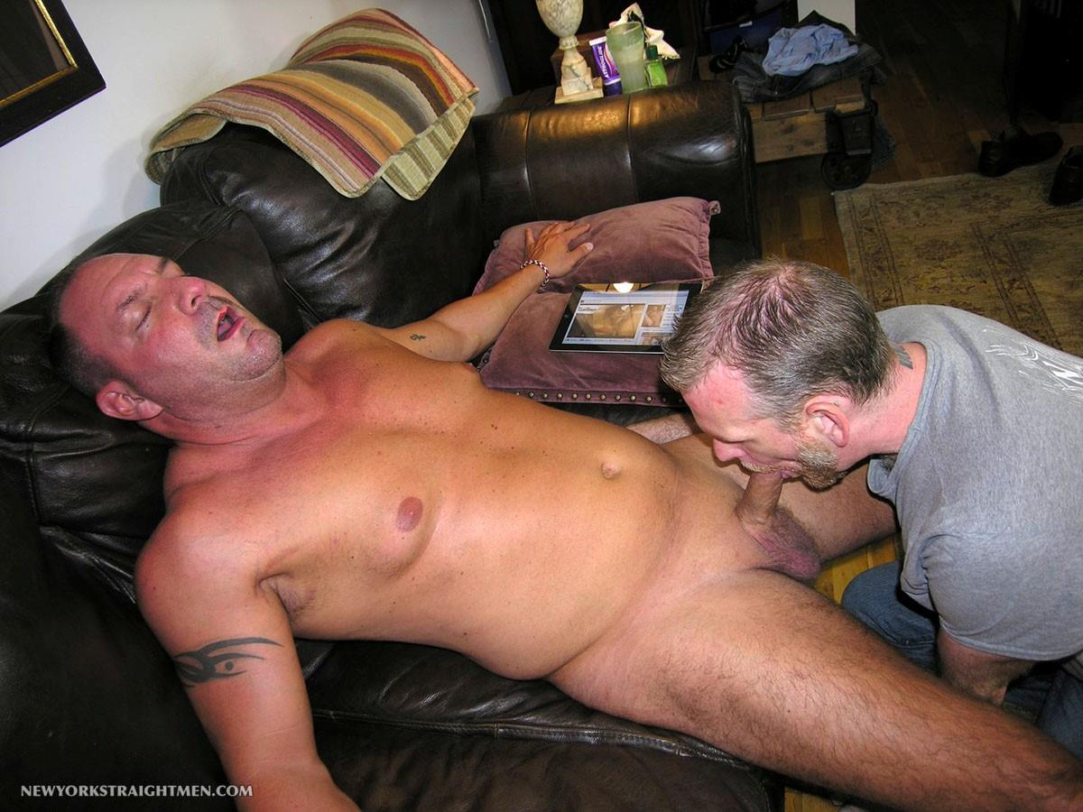 New-York-Stright-Men-Rocco-Straight-Muscle-Daddy-Gets-His-Cock-Sucked-Amateur-Gay-Porn-09 Amateur Straight Muscle Daddy Gets His Cock Sucked By A Guy