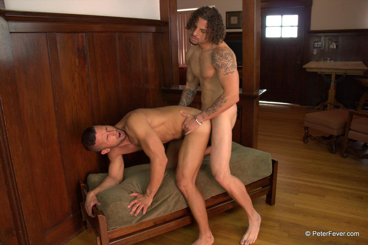 Peter-Fever-Diego-Vena-gets-fucked-by-TY-Muscle-Guys-Fucking-Amateur-Gay-Porn-18 Muscular Best Friends Playing Football At The Beach And Then Fucking
