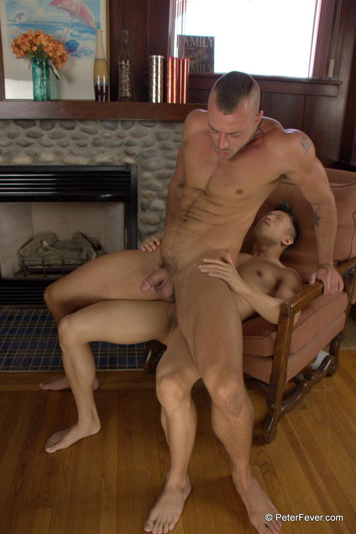 Peter-Fever-The-Asiancy-Peter-Lee-and-Jessie-Colter-Big-Cock-Asian-Guy-Fucking-White-Muscle-Guy-Amateur-Gay-Porn-19 Big Asian Cock Stud Fucks A White Muscle Guy In His Bubble Butt