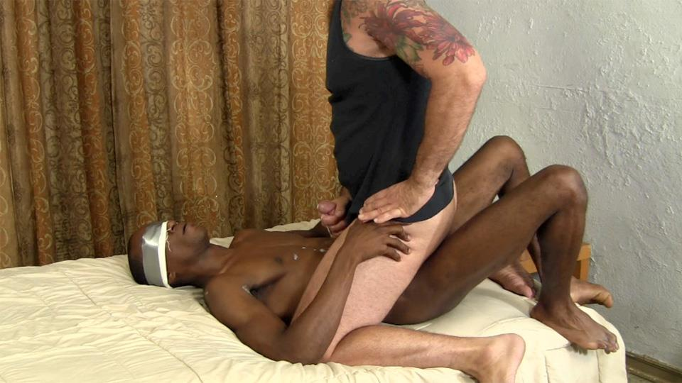 Straight-Fraternity-Lex-and-Franco-Straight-Blackguy-Barebacks-Older-White-Guy-Amateur-Gay-Porn-25 White Guy Rides An Amateur Straight Guys Big Black Cock Bareback