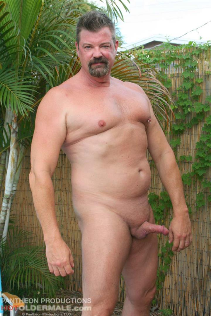 Hot-Older-Male-Mitch-Davis-Beefy-Chubby-Smooth-Daddy-Jerking-His-Thick-Cock-Amateur-Gay-Porn-06 Beefy Smooth Daddy With A Thick Cock Jerking Off