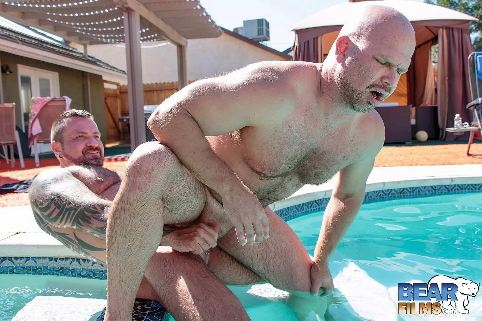 Bear-Films-Marc-Angelo-and-Wade-Cashen-Hairy-Muscle-Bears-Fucking-Bearback-Amateur-Gay-Porn-17 Hairy Muscle Bears Fucking Bareback At The Pool