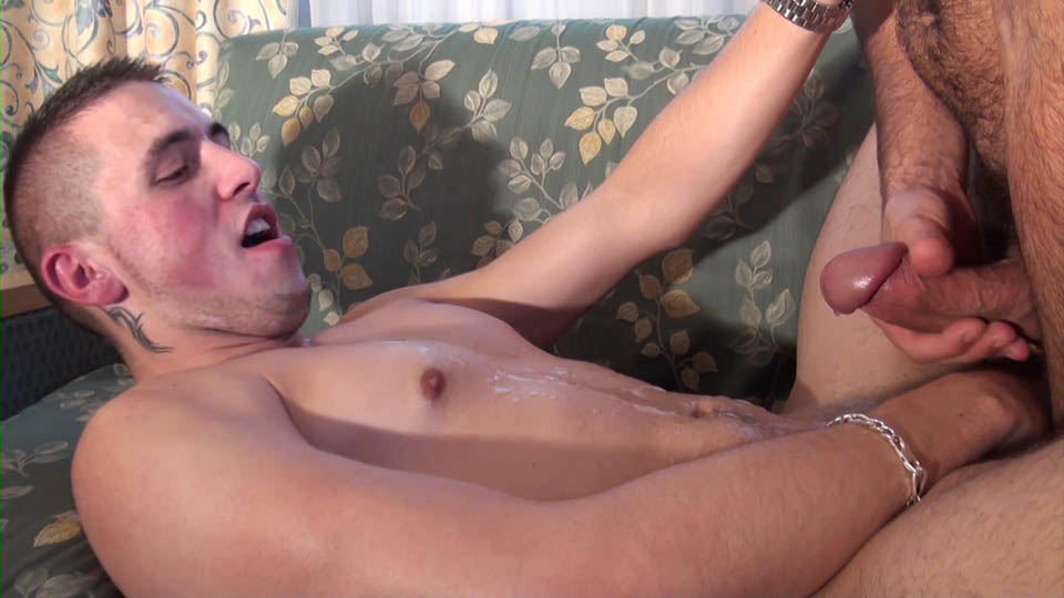 French-Dudes-Malik-TN-and-Kyle-Lena-Guy-With-A-Beer-Can-Cock-Fucking-An-Ass-Amateur-Gay-Porn-12 French Guy Gets Fucked By A Beer Can Sized Cock