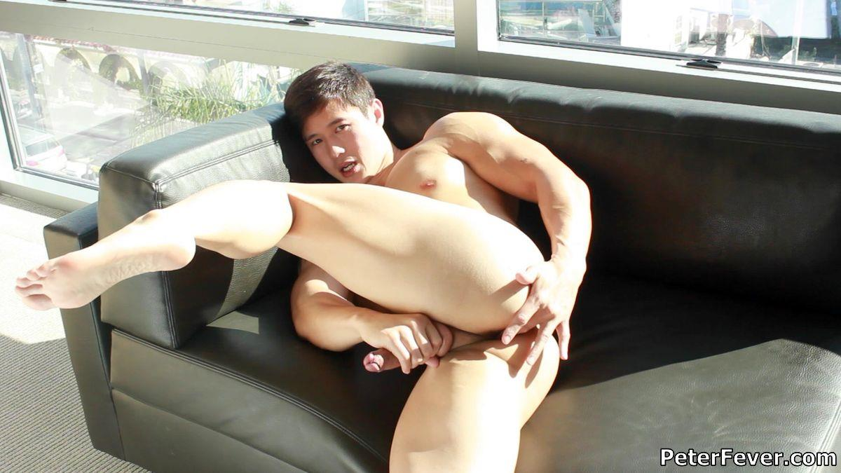 Peter-Fever-Peter-Le-Muscular-Naked-Chinese-Guy-With-Big-Uncut-Cock-Amateur-Gay-Porn-18 Muscular Asian Peter Le Jerking His Big Uncut Asian Cock