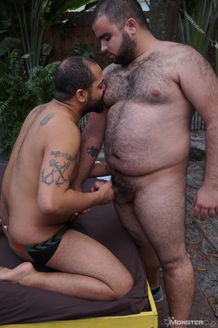 Monster-Cub-Gus-and-Rhino-Hairy-Chubby-Cubs-Barebacking-Amateur-Gay-Porn-05 Hairy Chubby Cub Bears Fucking Bareback In The Backyard
