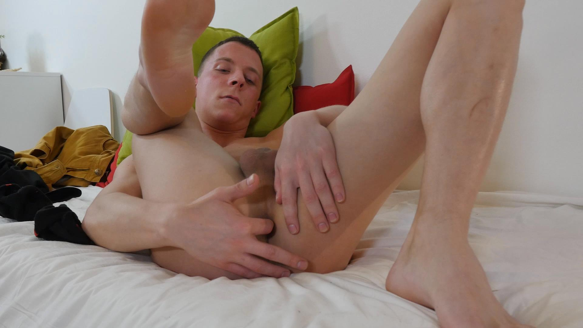 Fucking and mutual stroking for cum 1