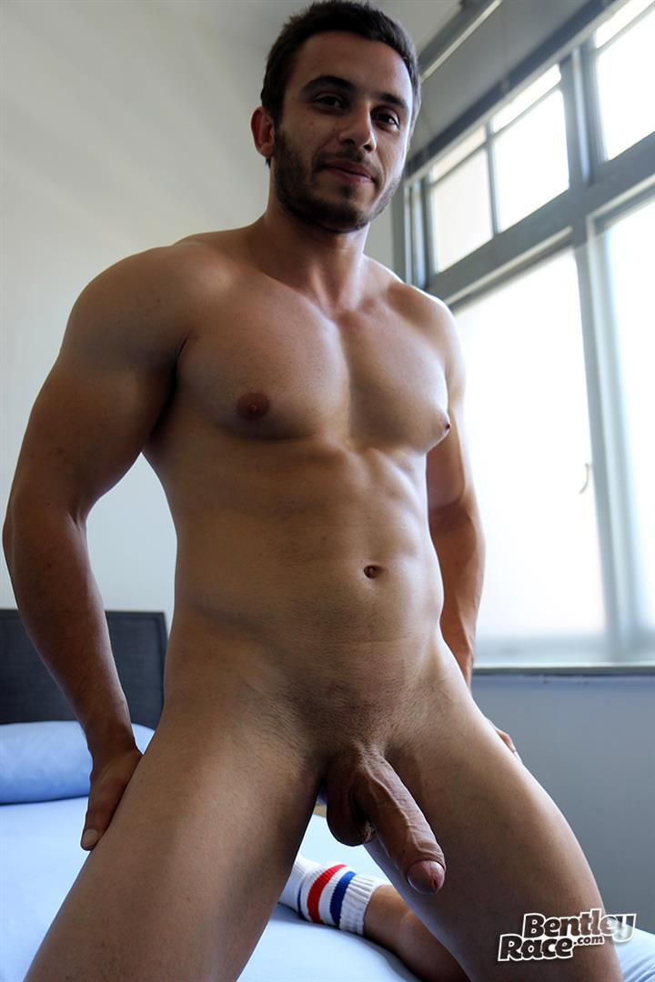 Bentley-Race-James-Nowak-Beefy-Straight-Muscle-Hunk-Jerks-His-Big-Uncut-Cock-Amateur-Gay-Porn-16 Straight Australian Beefy Muscular Guy Strokes His Thick Uncut Cock