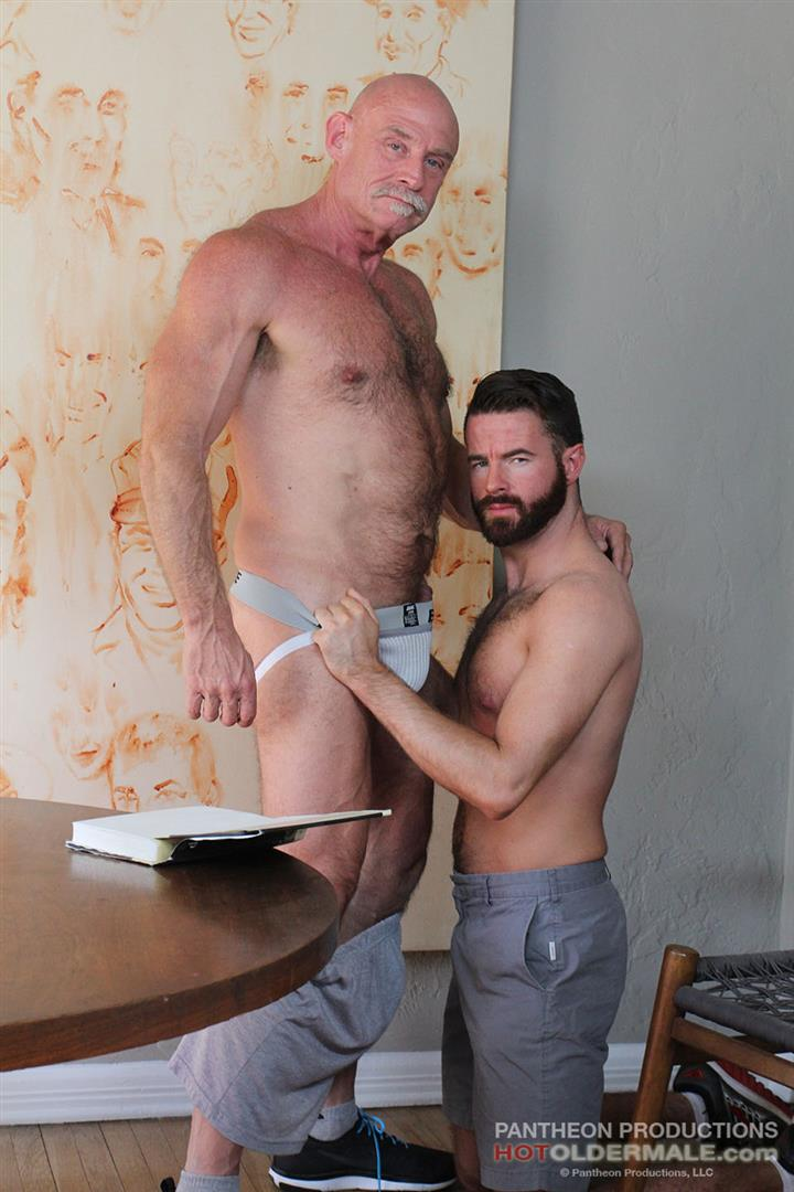 Hot-Older-Male-Conor-Harris-and-Brendan-Patrick-Hairy-Muscle-Daddy-bareback-Amateur-Gay-Porn-06 Hairy Muscular Daddy Conor Harris Barebacks Brendan Patrick