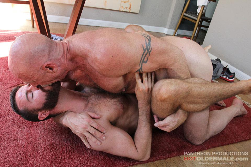 Hot-Older-Male-Conor-Harris-and-Brendan-Patrick-Hairy-Muscle-Daddy-bareback-Amateur-Gay-Porn-20 Hairy Muscular Daddy Conor Harris Barebacks Brendan Patrick